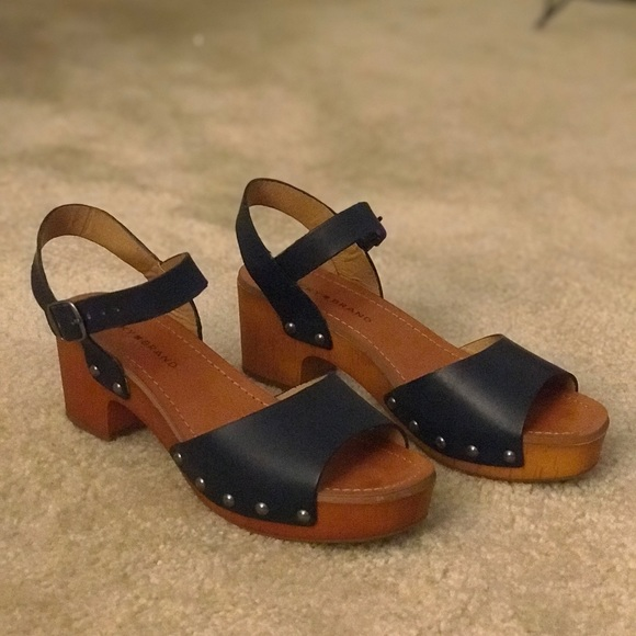 dc2a30dd2a9 Lucky Brand Shoes - Lucky Brand Hollie Open Toe Leather Navy Sandals